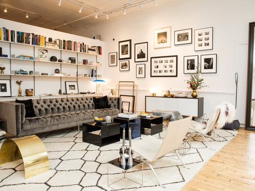GO INSIDE THE GORGEOUS NEW YORK APARTMENT WHERE EVERYTHING IS FOR SALE